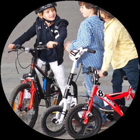 Triciclos, bicicletas, trotinetes e acessórios