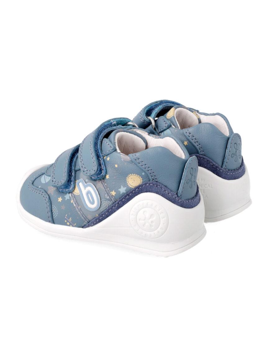 Sapato estampado com dois rasgos - Biomecanics