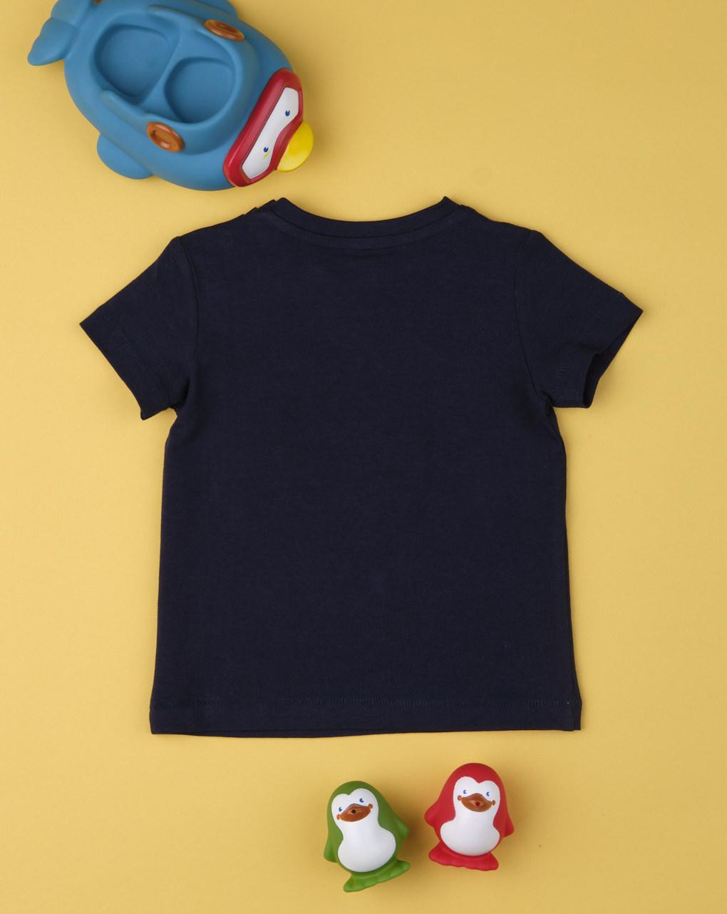 """Garoto da camiseta """"área do tubarão"""" - Prénatal"""