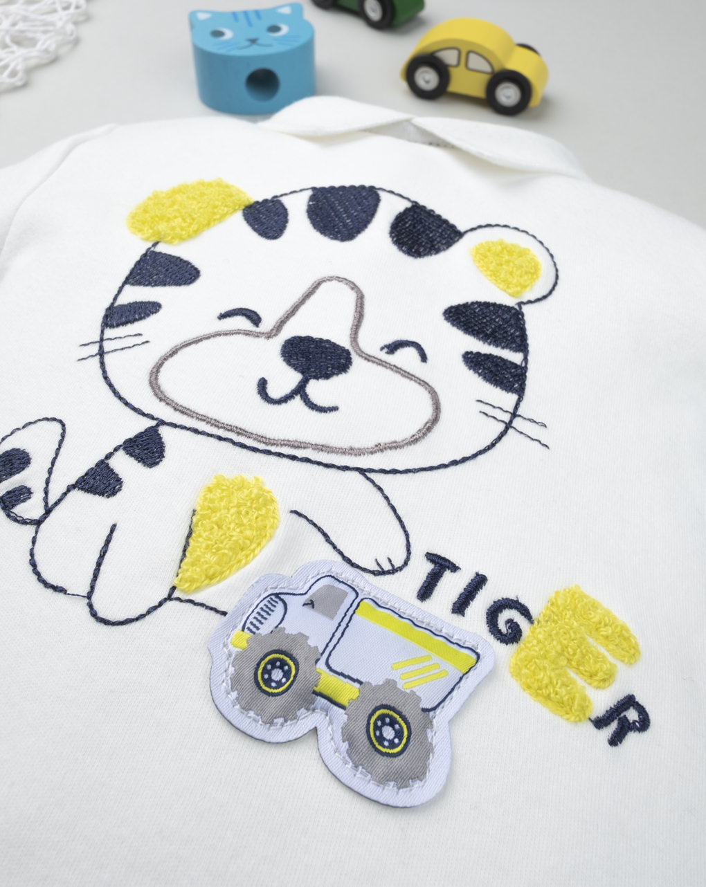 "Roupa de bebê ""tigre"" - Prénatal"