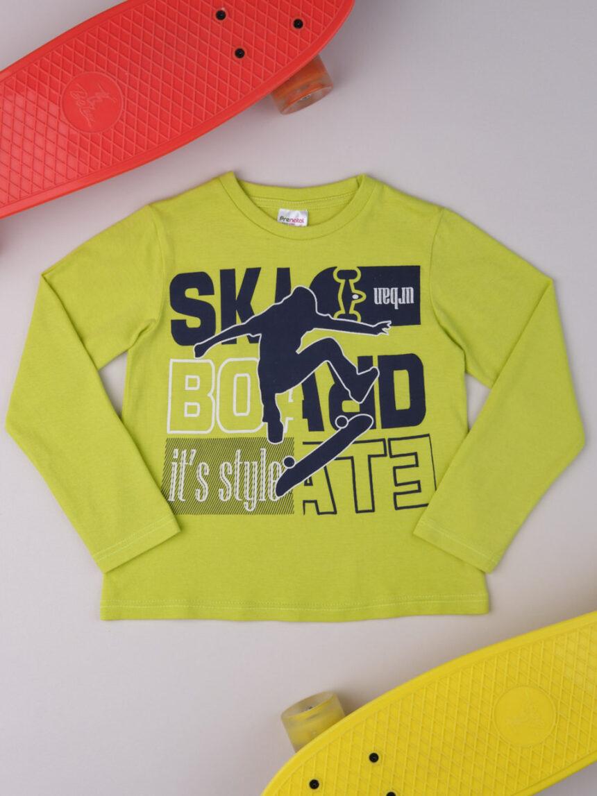 """Menino de camiseta """"estilo de skate"""" - Prénatal"""