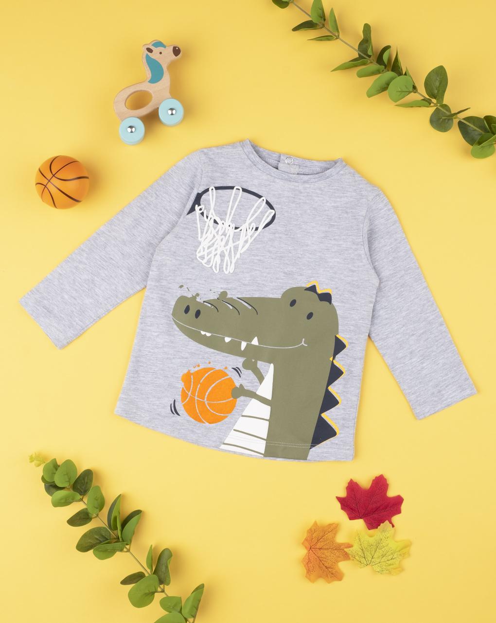 """Menino com camiseta """"dinosauro basket"""" - Prénatal"""